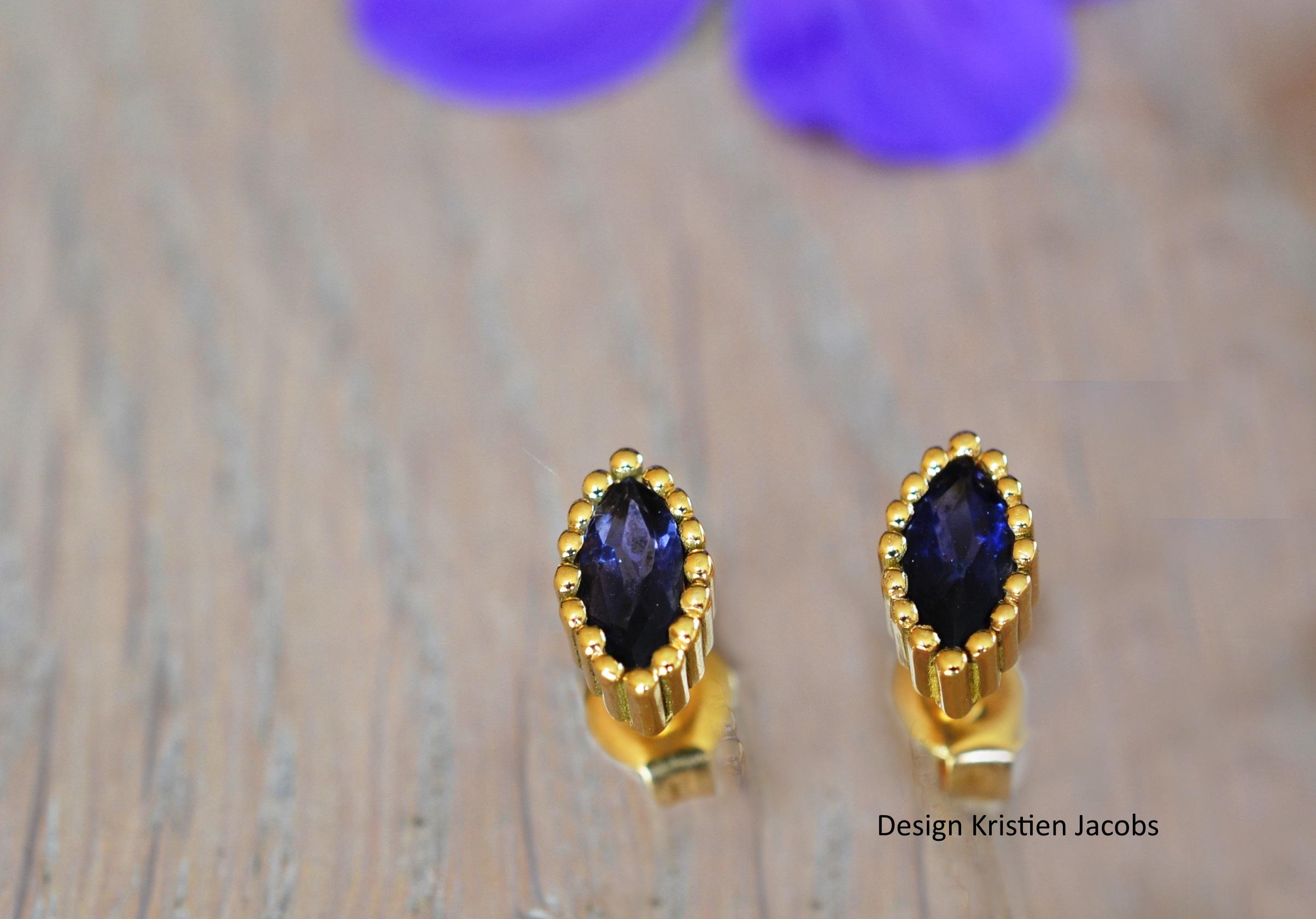 Handegemaakte juwelen MechelenOorstekers, oorbellen, oorsieraad Ioliet Iolith Illuminate