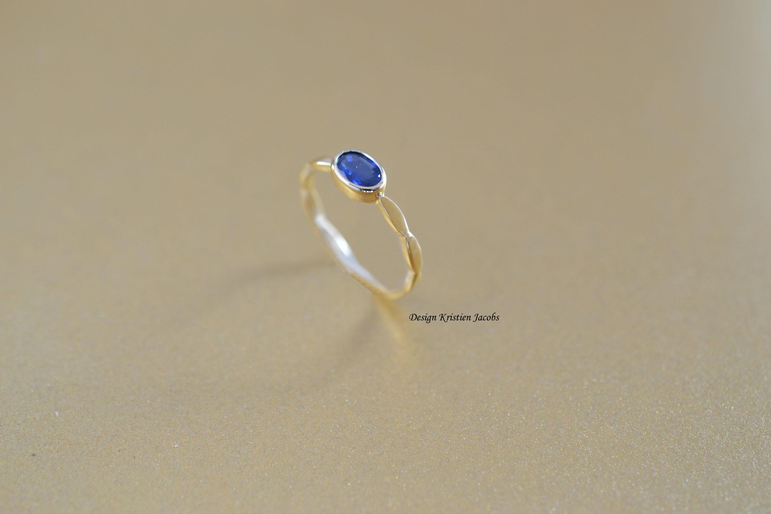 illuminate blauwe saffier