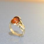 Ring amber, geel goud